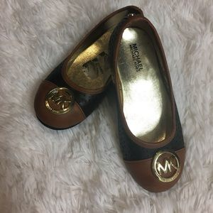 Black and Brown Micheal Kors girls shoes